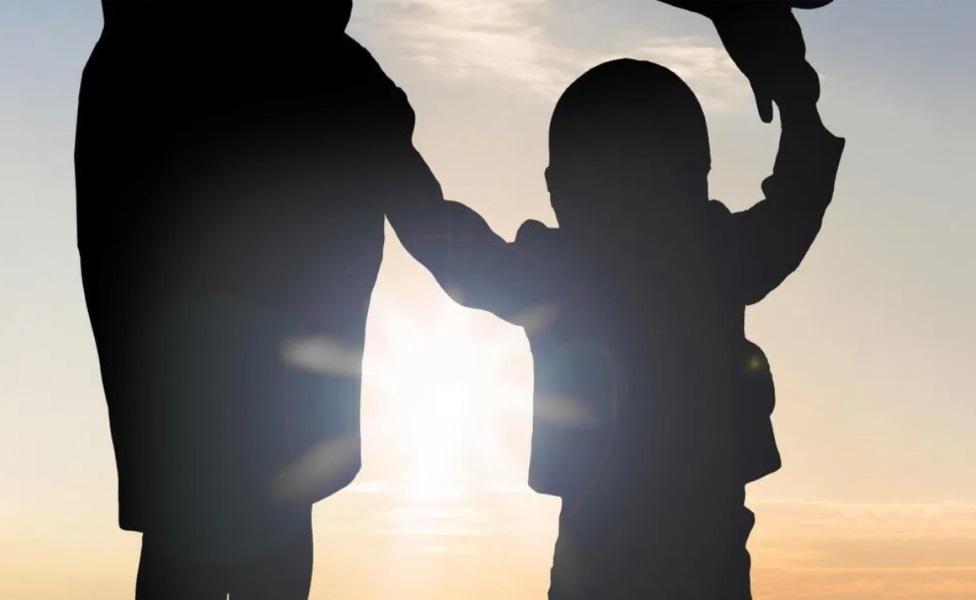 """Roditelji i posao: Šta je """"tajno roditeljstvo"""" i zašto neke majke ne pričaju o deci na poslu"""