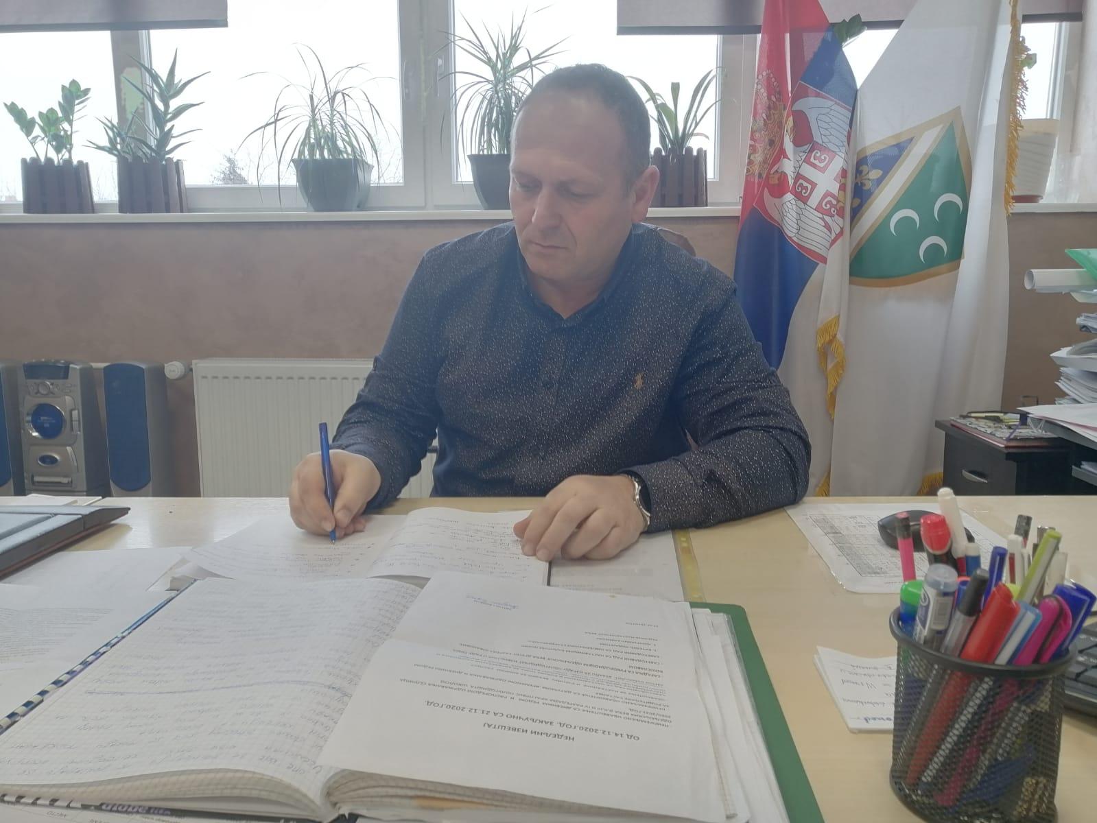 Zaraženi učenici i profesor iz Gimnazije u Novom Pazaru