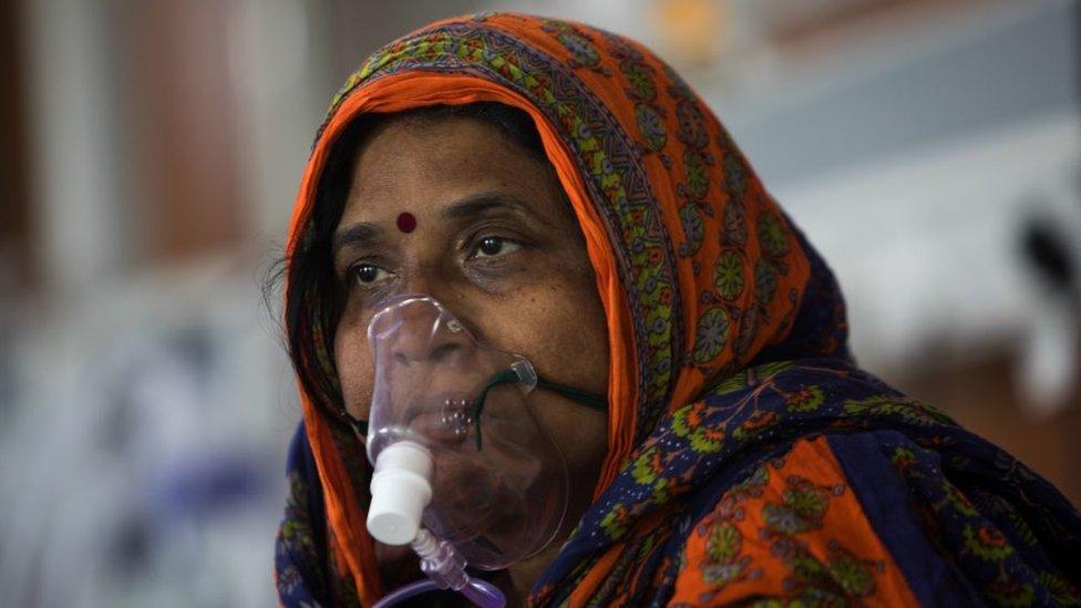 Korona virus i Indija: Zašto čitavom svetu treba da je stalo do zdravstvene krize u jednoj od najmnogoljudnijih zemalja