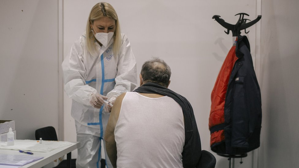 116626167_vakcinacijaprotivcovid19_sajam_beograd_vz_january_2021_008