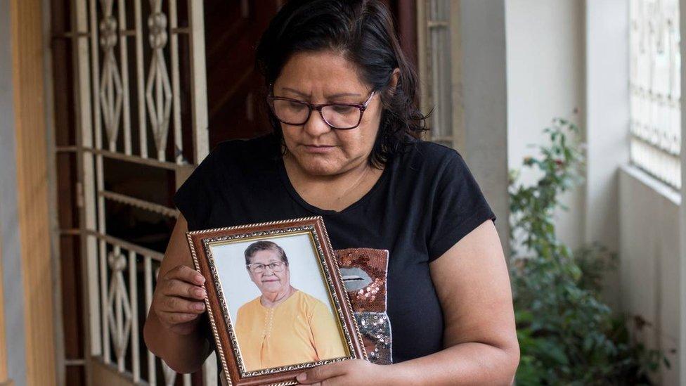 Korona virus i Ekvador: Žena koja je 10 meseci živela sa pepelom nepoznate osobe u garaži