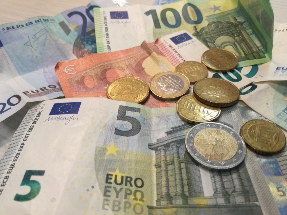 Korona virus, budžet i finansije u Srbiji: Počinje isplata 30 evra, kako se prijaviti za pomoć