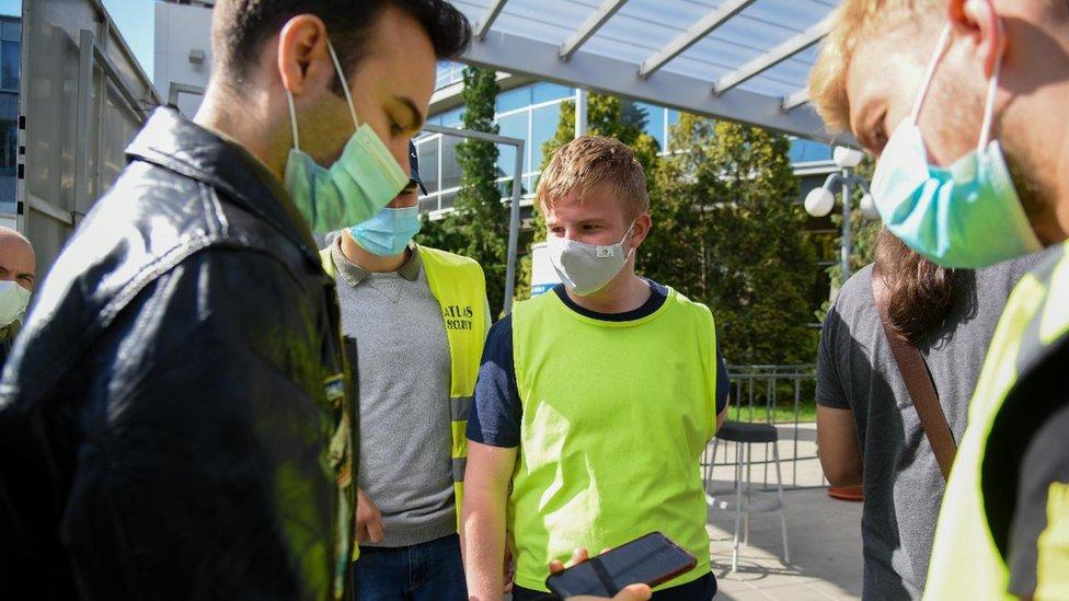 Korona virus: U Srbiji preminulo još 15 ljudi, Indija odobrila novi lek