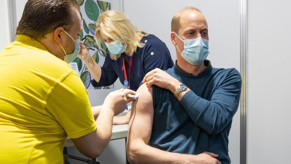 Korona virus: U Srbiji se najavljuje novo popuštanje mera, princ Vilijam primio prvu dozu vakcine