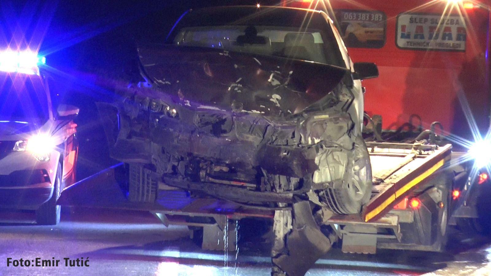 Pet lica povređeno u saobraćajnoj nesreći u Novom Pazaru (video)