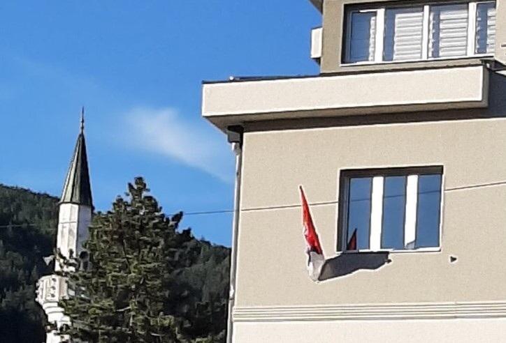 BNV:Vratiti bošnjačku zastavu na jarbole u Prijepolju
