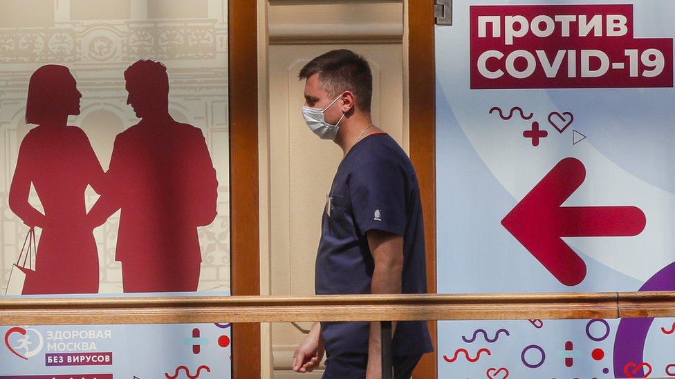 Korona virus: Preporuka da se u Srbiji prima i treća doza, Britanci tvrde – jača antitela od Fajzera ako je razmak između doza veći