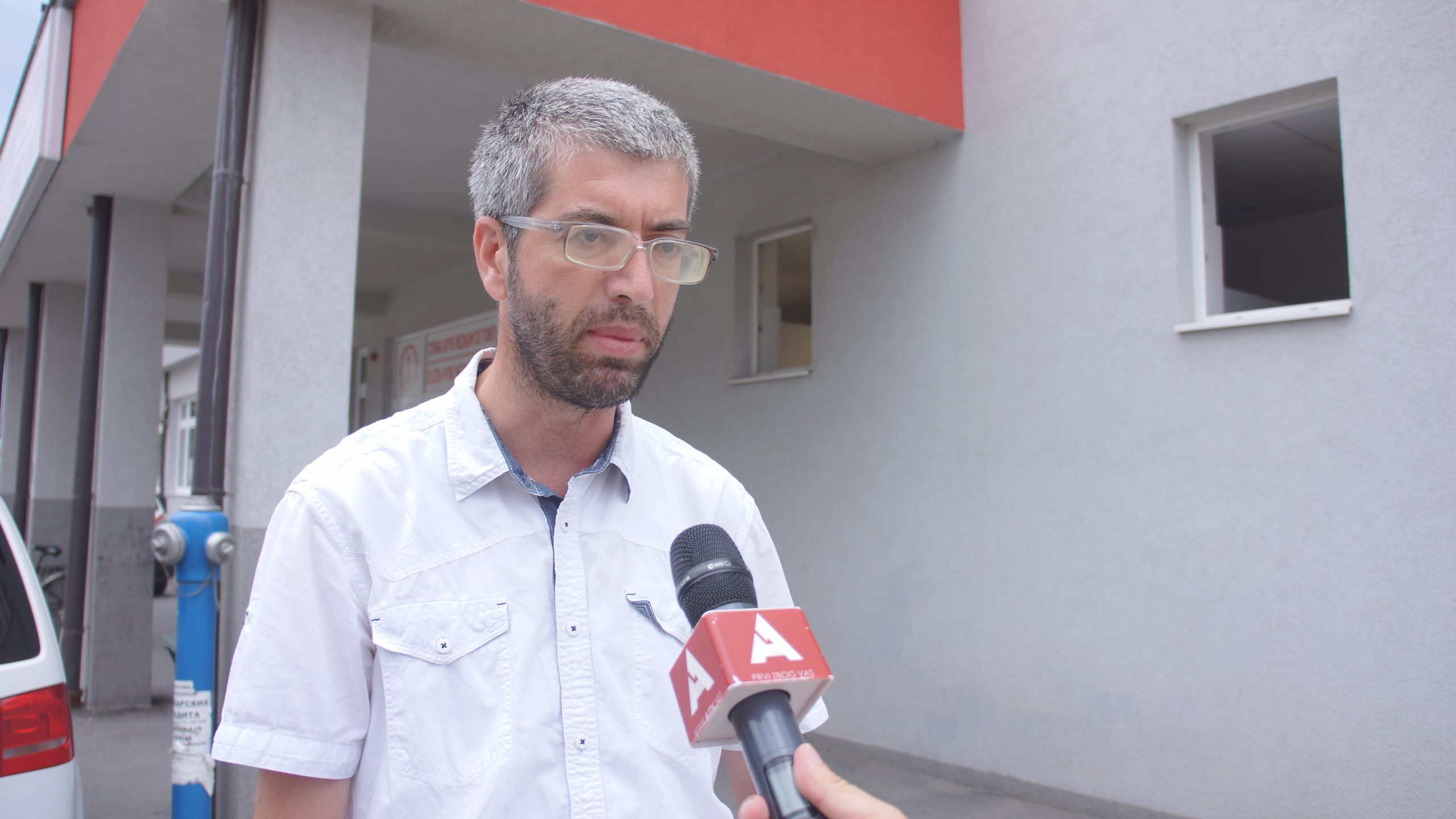 Novopazarac se žali na bahatost lekara u Opštoj bolnici u Novom Pazaru (video)