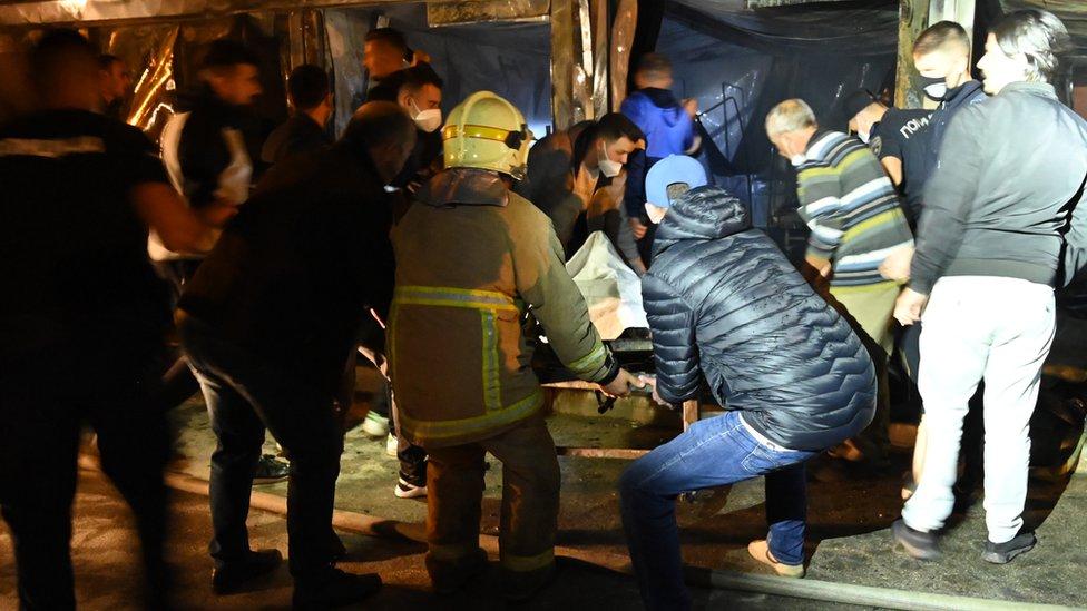 Severna Makedonija: Veliki požar progutao kovid bolnicu u Tetovu, poginulo 14 pacijenata