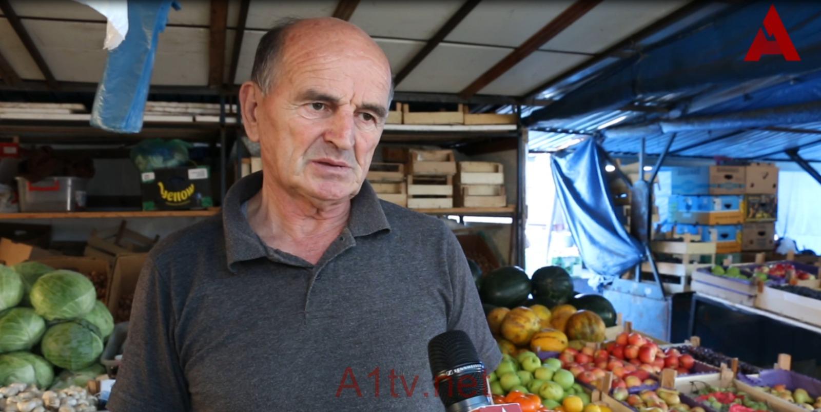 Salković: Pristupačne cene sezonskog voća na Novopazarskoj pijaci (video)